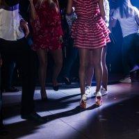 В ночном клубе :: Oleg Khot