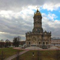 Храм Знамения Богородицы в Дубровицах :: Daria Sikorochka
