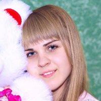 Танюшка и плюшевый мишка :: Наталья Жеребецкая