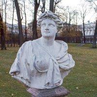 Скульптуры в Екатерининском парке. :: Александр Лейкум