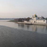 Противостояние воды и льда :: Святец Вячеслав