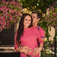 Любовь – это единственное, что делает женщину – красивее, мужчину – добрее, душу – легче, а жизнь – :: Алексей Латыш