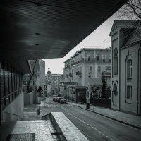 Улицы московские...Большой Трёхсвятительский переулок :: Наталья Rosenwasser