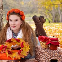 Девушка-осень :: Алёна Жила