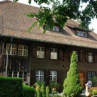 Ротенбургерхаус  (ок. 1500 г.) — старейшее жилое деревянное здание в Швейцарии :: Елена Павлова (Смолова)