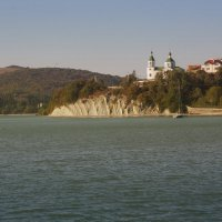 Церковь над озером :: Алёна Чалова
