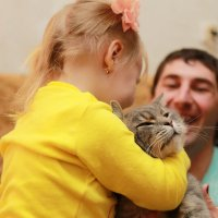 Через минуту кошка ответила взаимностью... :: Кристина Фотограф