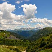 вид на Кавказский хребет :: Сергей Строгонов
