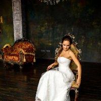 Свадебная съёмка в интерьерах. :: Александр Лейкум