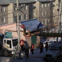 Три электрика на квадратный метр :: Юрий Оржеховский