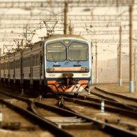 Электропоезд :: Владимир Незабываемый