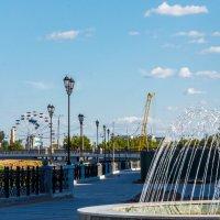 Достопримечательности на набережной. :: Андрей Гриничев
