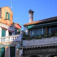 Удивительные крыши Венеции... :: Леонид Нестерюк