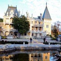 Сказочный дворец в Массандре :: Ольга Голубева