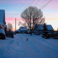 Зимнее утро в деревне :: Татьяна Ломтева