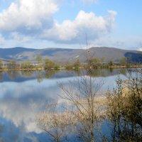 у озера :: Zinaida Belaniuk