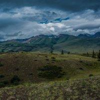 Горы и облака :: Sergey Oslopov