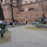 Памятники Москвы. С. Михалков... :: Владимир Павлов