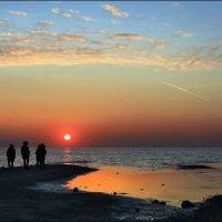 Прощание с солнцем :: Лариса Шамбраева