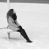 Зима. Пляж. Девушка. :: Anastasia Nikiforova