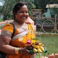 С подношениями в индуистский храм :: Марина Marina