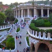Архитектура и богатая фантазия Гауди в парке Гуэль :: Таня Фиалка
