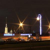 Ночные спутники - фонари :: Вера Моисеева