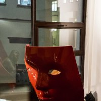 Вариации на тему красного кресла :: Людмила Синицына