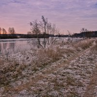 Рассвет на замёрзшей реке. :: Виктор Евстратов