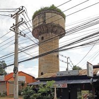Лаос. Вьентьян. Две башни, настоящая и виртуальная :: Владимир Шибинский