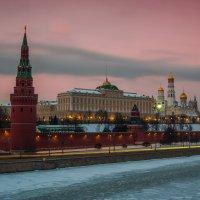Вечер, кремль, огни :: Андрей Вигерчук