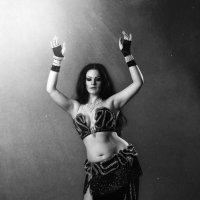 танец :: Alexandr Uvarov