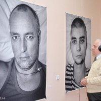 Слухаю історії  ранених вояків в зоні АТО :: Степан Карачко