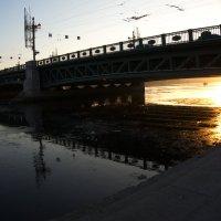 под мостом :: Валентина Папилова