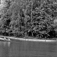На лодке :: Анатолий Цыганок