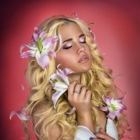 Девушка с лилиями :: Андрей Агапов