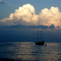 Облака, вы куда? Облака, вы откуда? :: Олег Попов