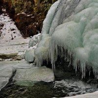 Замерзаем,но не сдаемся!( Водопад в Горном Алтае.) :: Владимир Михайлович Дадочкин
