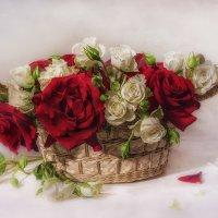 Букет роз в корзине :: Светлана Л.