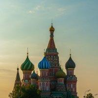 Утро в центре Москвы :: Павел Хохлов