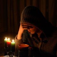 Мне каждый вечер зажигают свечи... :: Anna Gornostayeva