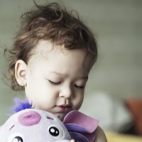 Малыш с игрушкой, :: Lidiya Gaskarova