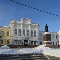 Бывшая гимназия для девочек :: раиса Орловская