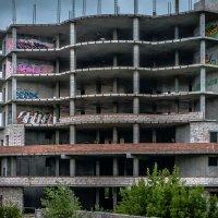 Заброшенная стройка и графити :: Марк Э