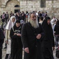 «Израиль, всё о религии.Протоиерей Роман Барановский: «Настоящий врач благословен Богом» и его свита :: Shmual Hava Retro