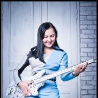 девушка с гитарой :: Евгений Хандриков