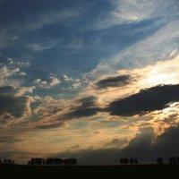 Небо в тучах ... что то будет :: Damir Si