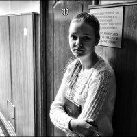 портрет в интерьере :: Сергей Демянюк