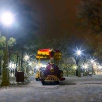 Детский  зимний паровозик :: Иван Синицарь