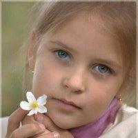 Цветочек маленький :: Виктория Юровских